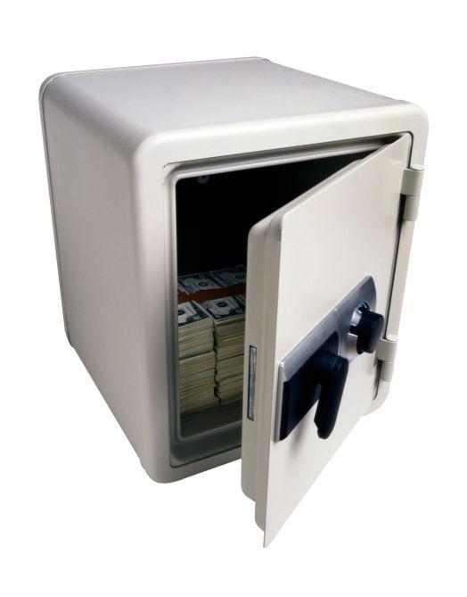 technik zu hause sichere dokumentenaufbewahrung im tresor. Black Bedroom Furniture Sets. Home Design Ideas
