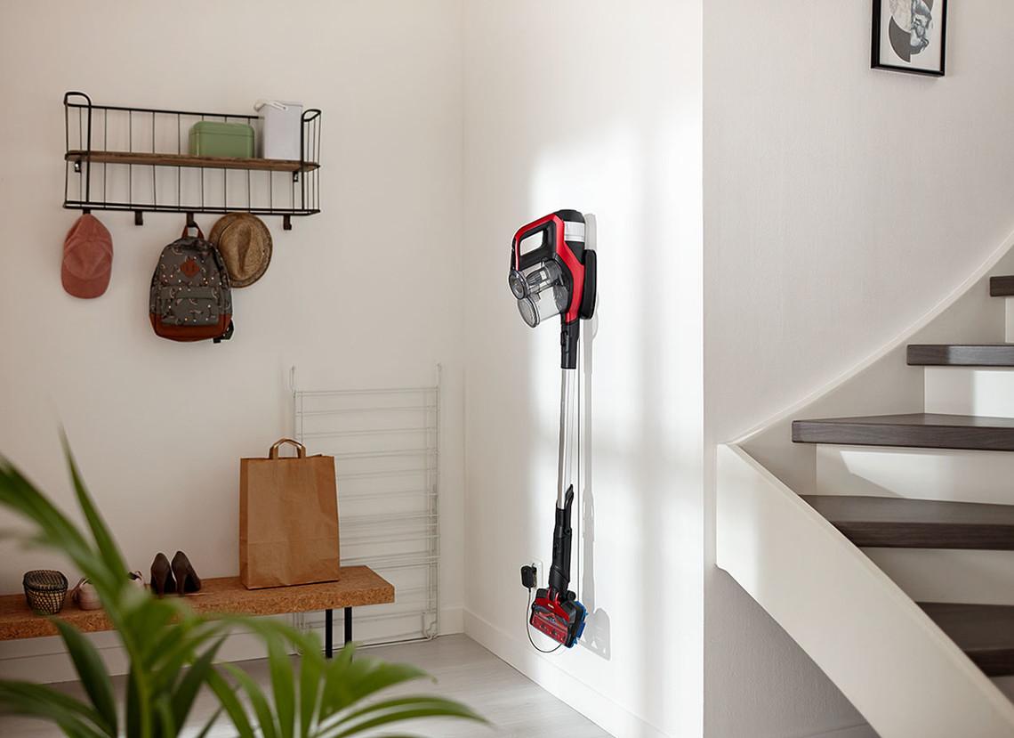 technik zu hause praxistest philips akku zyklonsauger. Black Bedroom Furniture Sets. Home Design Ideas